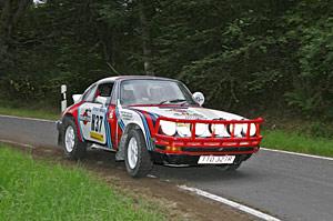 http://www.motorsportivarmland.nu/Bilder_nya/Notisbilder/051010WaldegardPorsche911.jpg